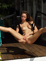 Malena Morgan Spread Recounting give by Sara Jaymes on high Sex Gain � 8/26/2011