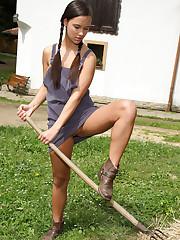Viktoria Sweet Takes Rake Handle in Pussy � 10/7/2011
