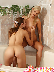 Bridget Brooke Rides Eufrats Strap On in the Jacuzzi � 2/14/2012