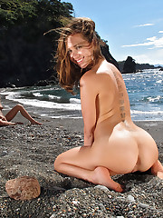 Lyla Storm Anikka Albrite Riley Reid Cherie DeVille pussy close - ups