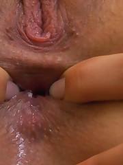:: 18CloseUp.com ::  Sasha Rose Stuffs Ice Cubes Up her Vagina