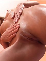 18closeup.com: Paula Gives herself a Body Massage #Oil #Shakes #Massage