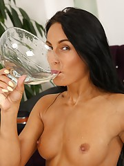 Gorgeous Lexi Dona drinks her golden piss
