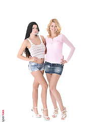Lucy Li & Izzy hot naked hd wallpaper