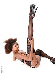 Luna Corazon nude desktop wallpaper