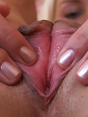 Amateur Teen Jane Shows her Pussy and Asshole in Close Up
