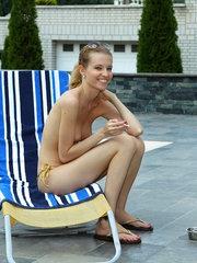 Oiled Down Bikini Babe Bettor Hott - 5/11/2012
