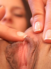 Isabella's Valiant Clit Creep Get used to Up!