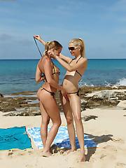 Bikini Baby Franziska Licks Blue Angel's Make allowances be proper of off wagerer than a Beach - 8/21/2012