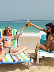 Tanner Mayes & Brea Bennet Beach Sex - 9/9/2010