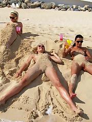 Passion Paradise Babes Crazy on Public Beach � 9/27/011