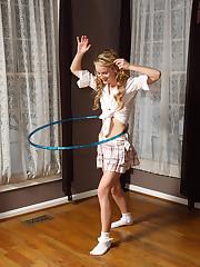 Sara Jaymes Hoola-Hoopin' - 11/15/2010