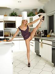 Sara Jaymes and Franziska Heat Up the Kitchen � 10/21/2011