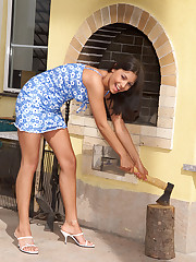 Alana Posing & Spreading Pussy - 3/31/2006